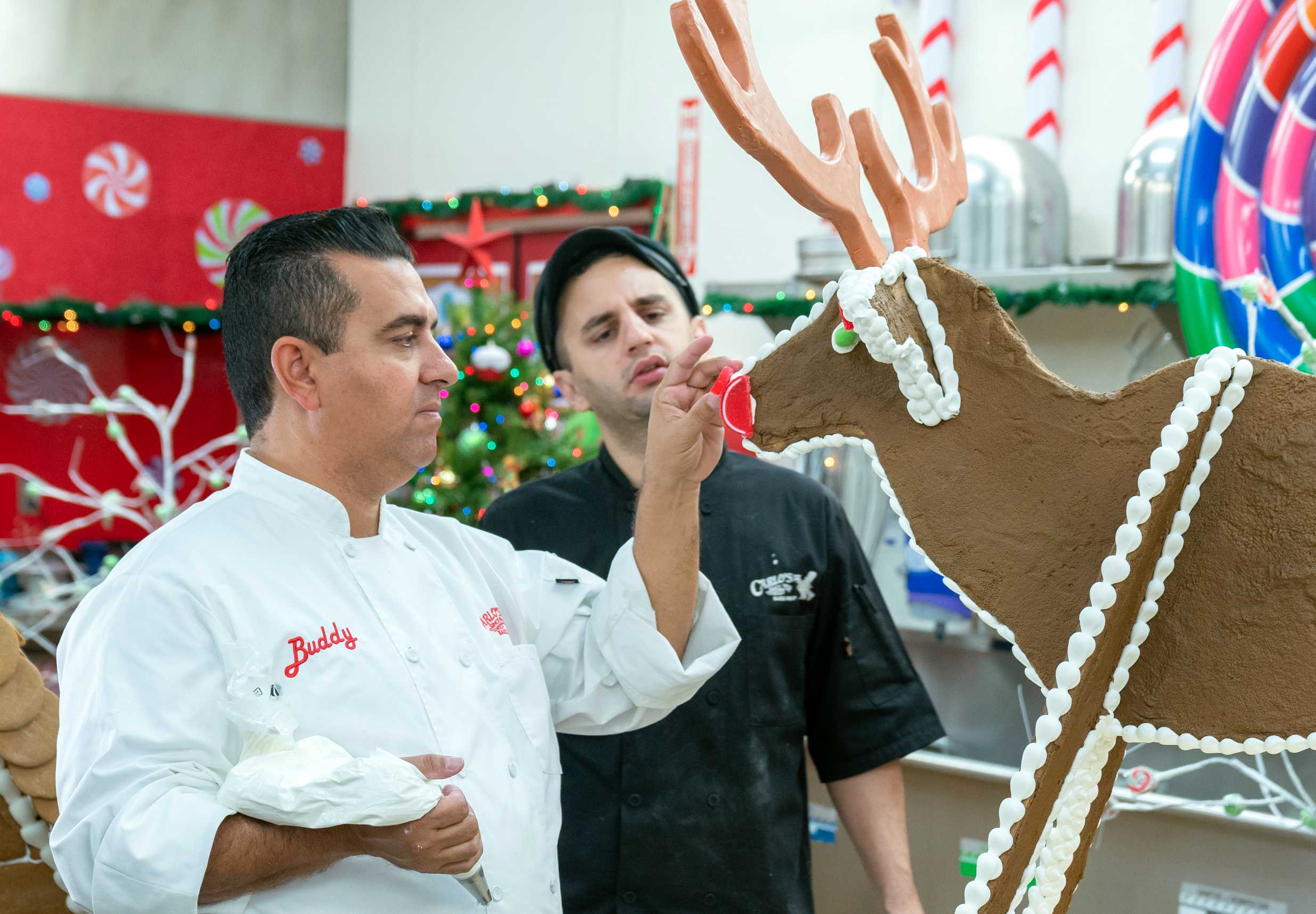 Team-Buddy-Valastro-Ralph-Attanasia-Buddy vs Christmas-Food-Network